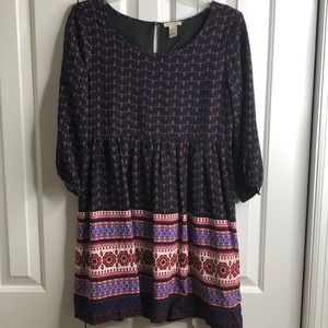 Forever 21 size M 3/4 sleeve dress- lined